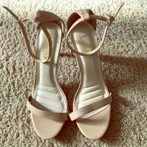 Lulu's Nude heels size 9